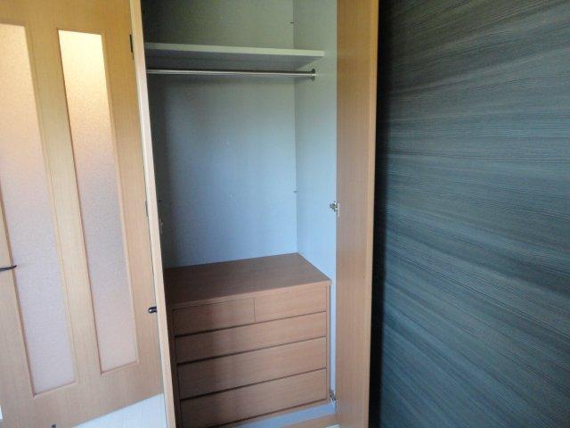 リバーサイドJS 106号室の収納