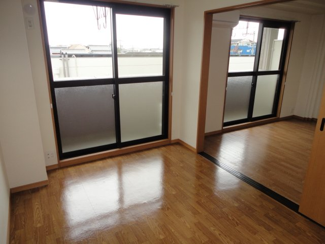 センチュリーマンション 301号室のバルコニー