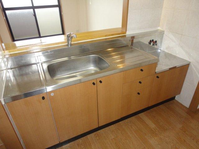 センチュリーマンション 301号室のキッチン