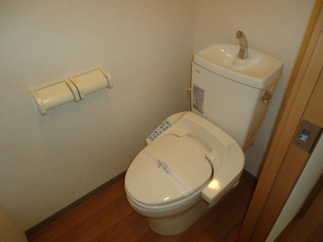 クリエイトハイツ 106号室のトイレ