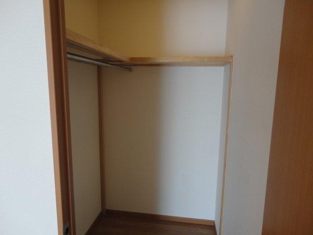 グランチェスタⅢ 105号室の収納