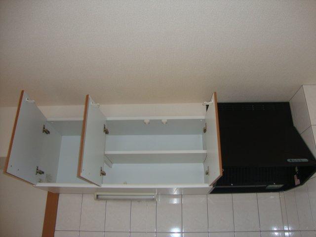 メゾンコンフォース 102号室のキッチン