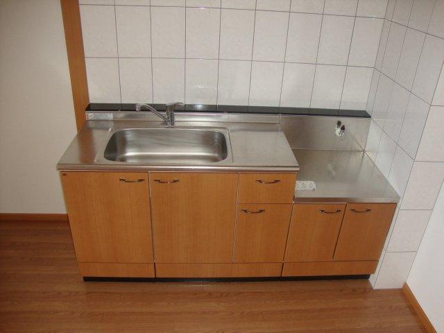 メゾンコンフォース 202号室のキッチン