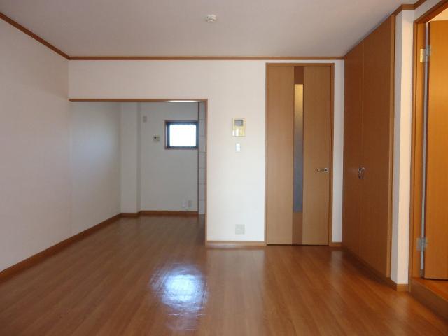 メルヴェール 205号室のリビング
