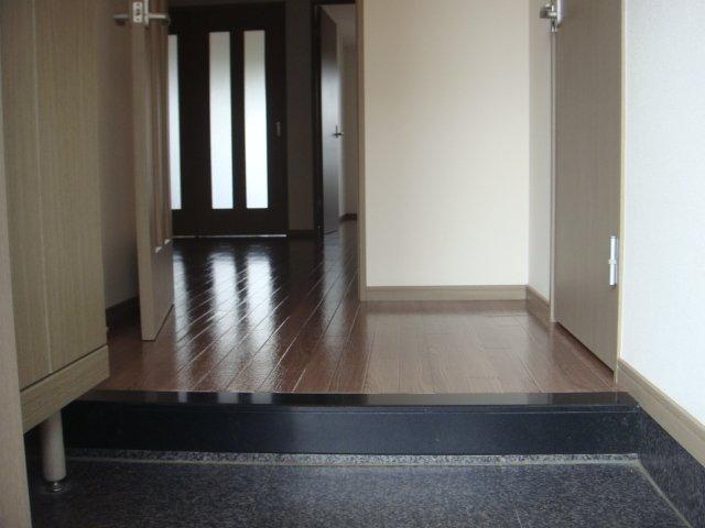 メルキュレー 00103号室の玄関
