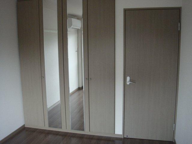 メルキュレー 00103号室の居室