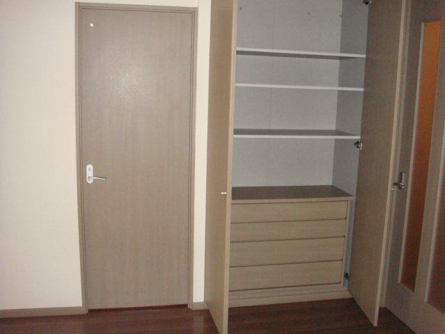 メルキュレー 00103号室の収納