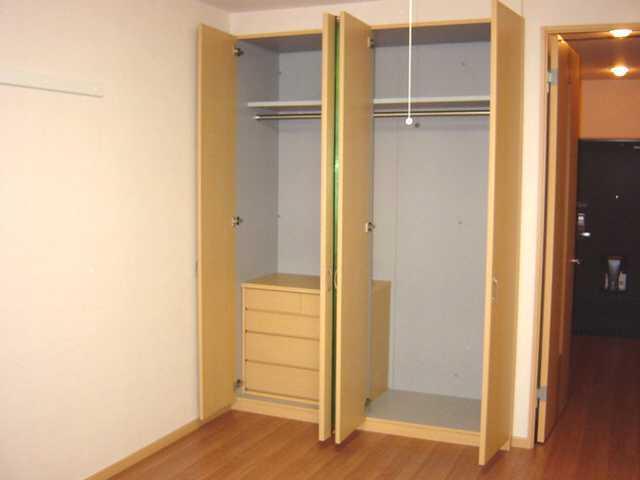 パルティールY 00102号室の収納