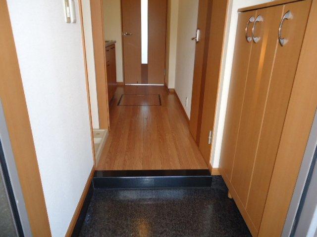 ベル・グラース 00202号室の玄関