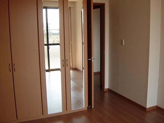 カサ・ベルデⅠ 103号室の居室