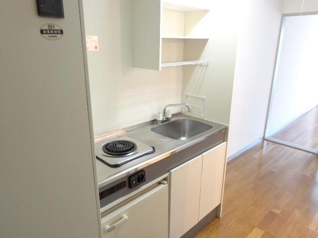 ハッピーヴィレッジ 203号室のキッチン