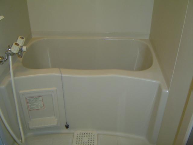 ハッピーヴィレッジ 203号室の風呂