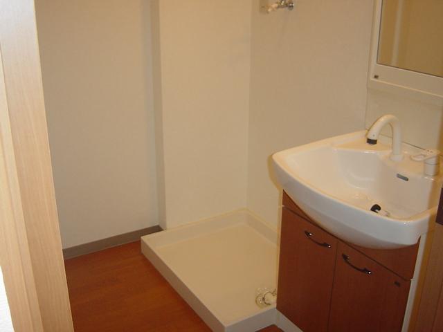 アメニティB 105号室の洗面所