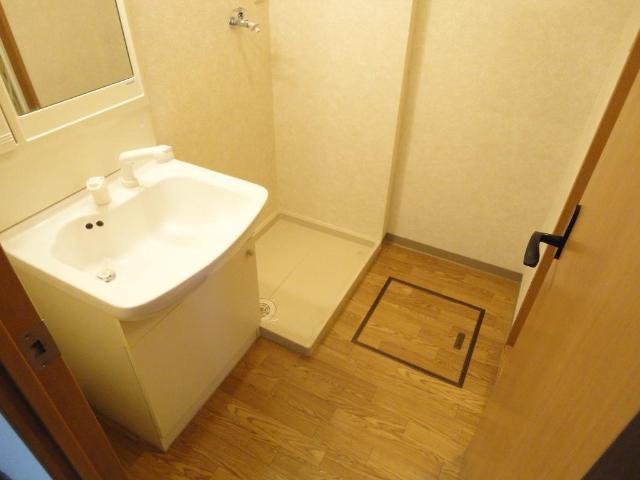 フォレスト粕川 A棟 101号室の洗面所
