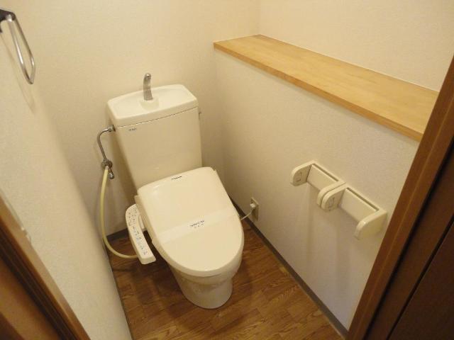 フォレスト粕川 A棟 101号室のトイレ