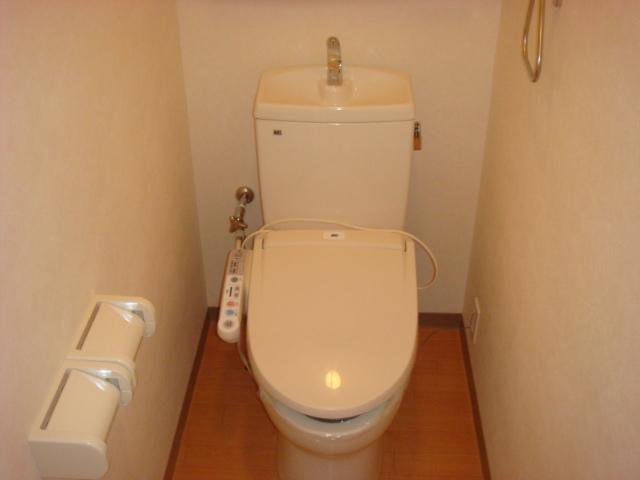 カテリーナ 203号室のトイレ