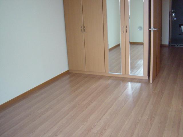 ハッピーオウル 102号室の居室