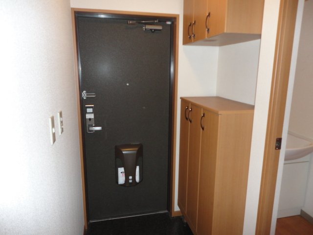 ソレイユ シャトー 302号室の玄関