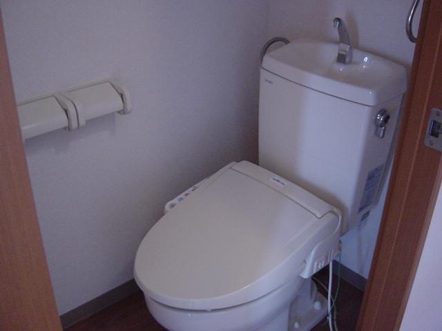 ソレイユ シャトー 302号室のトイレ