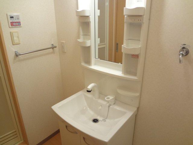 モンテ・アンヴェリーノ 105号室の洗面所