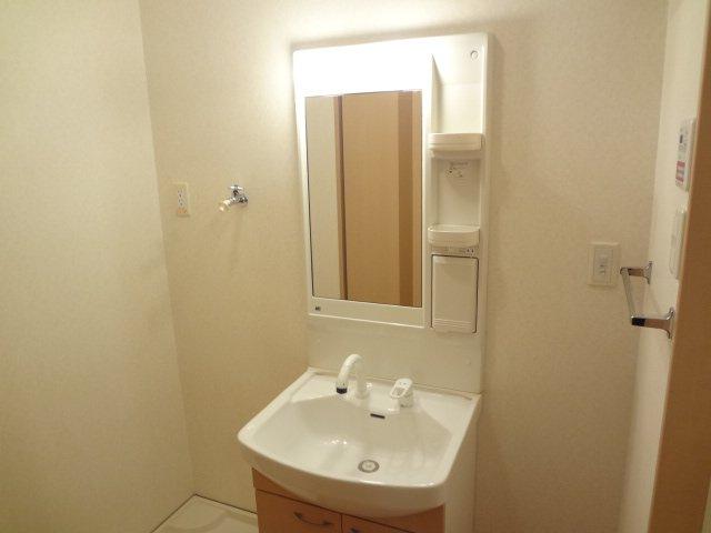 モンテ・アンヴェリーノ 101号室の洗面所