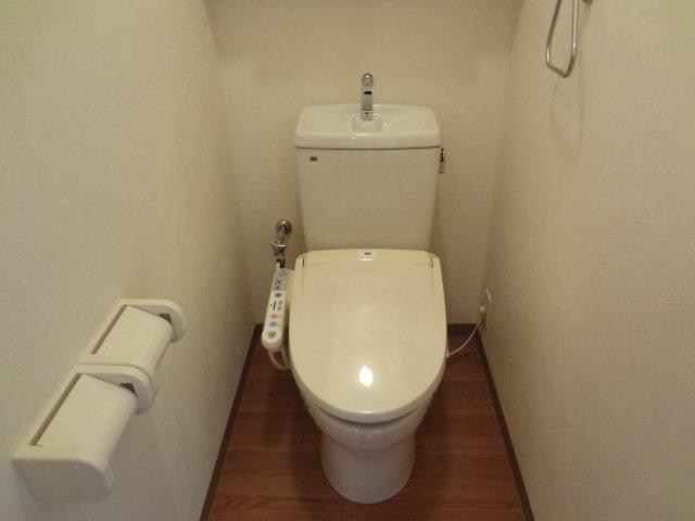 シャトレひだまり 102号室のトイレ
