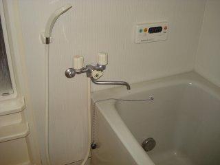 ジュエル壱番館 201号室の風呂