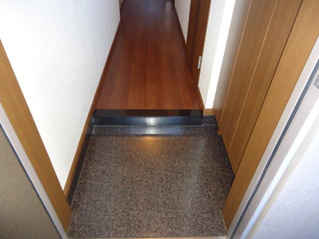 スプリーム アイ 205号室の玄関