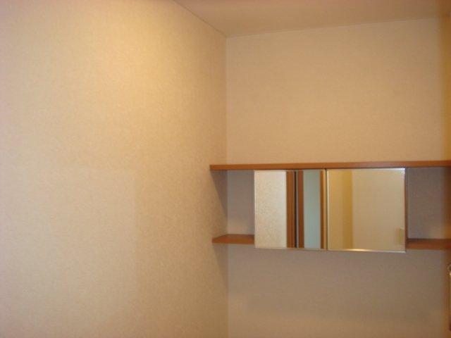 響ガーデンレジデンス 105号室の収納