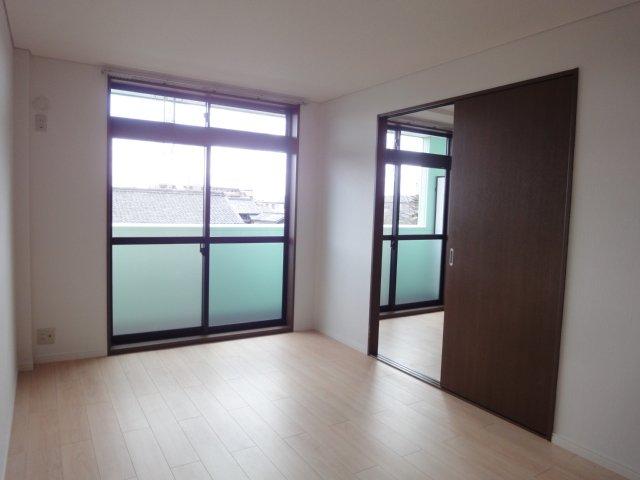 ガーデンコーポANO 00202号室の居室