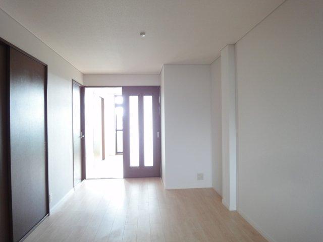 ガーデンコーポANO 00202号室のリビング