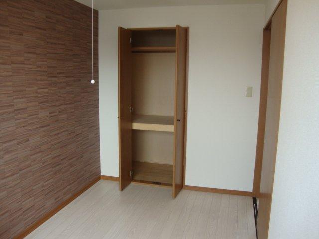 メゾングランディール 203号室の収納