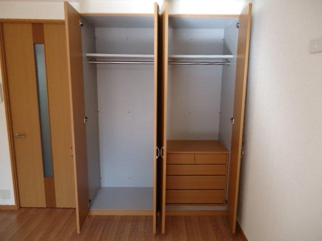 響 00101号室の収納