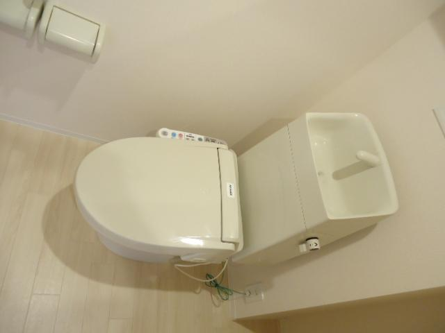 ウッドフレンズ明和 201号室のトイレ