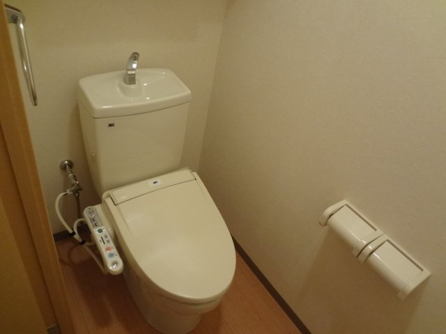 Charmant Coat 106号室のトイレ