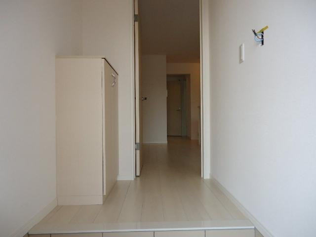 フォン・ブラウン 102号室の玄関