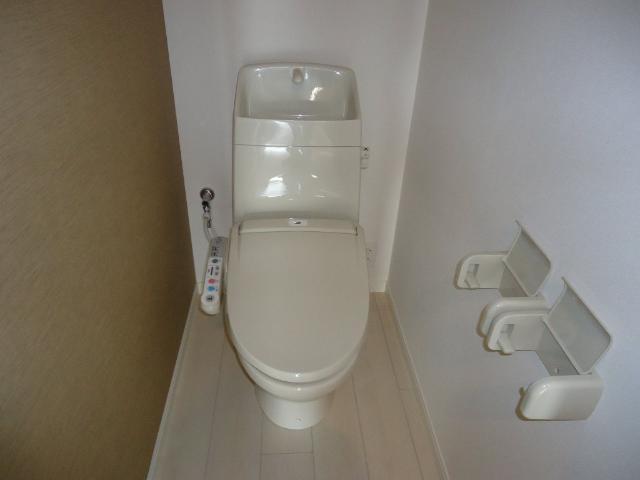 フォン・ブラウン 102号室のトイレ