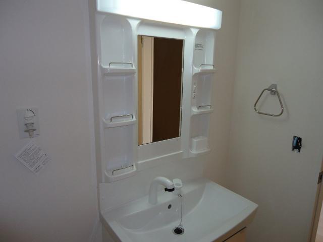 フォン・ブラウン 102号室の洗面所