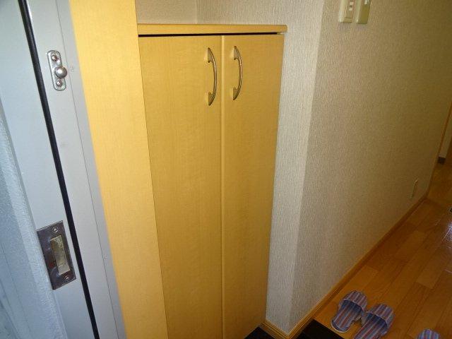 コーポ23 102号室の玄関
