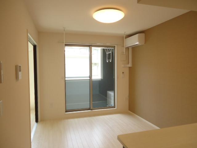 Wi Maison Norier(ウィメゾンノリーエ) 10201号室のバルコニー