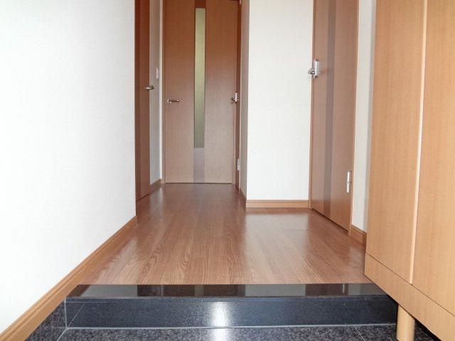 フェリシティ 101号室の玄関