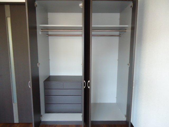 レジデンス 208号室の収納