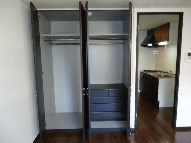 レジデンス 112号室の収納