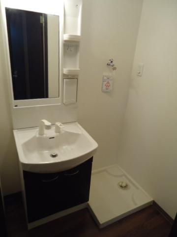 レジデンス 112号室の洗面所