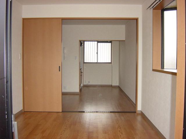 リヴィエール越戸B 101号室のリビング
