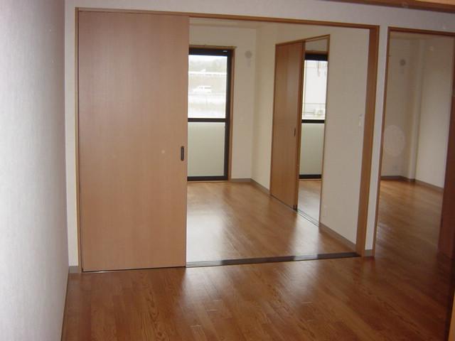 リヴィエール越戸B 101号室の居室