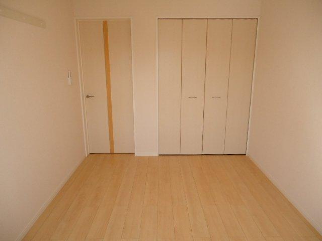 サンシャインハウスB 101号室の居室