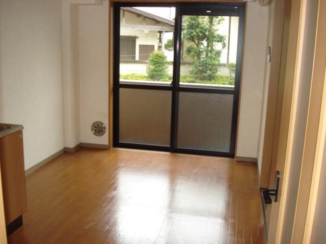 カーサグランデ 105号室の居室