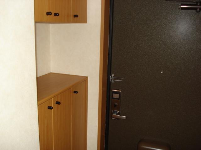 カーサグランデ 105号室の玄関