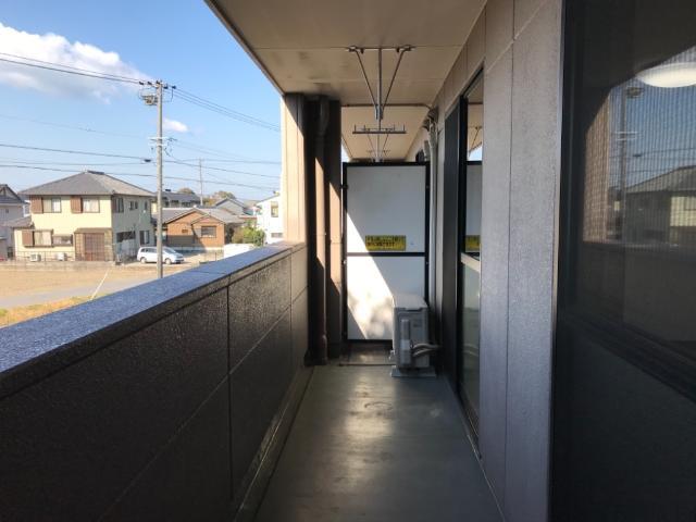 アメニティハイム・K 201号室のバルコニー